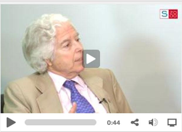 ENTREVISTA A D. ANTONIO BASCONES, CATEDRÁTICO EN MEDICINA Y CIRUGÍA BUCOFACIAL
