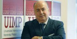 DE LORENZO: «LA HISTORIA CLÍNICA ES UN SECRETO MÉDICO Y REVELARLA, UN DELITO»