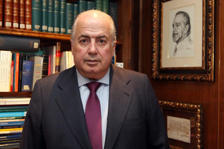 Ricardo De Lorenzo, reconocido por la UME