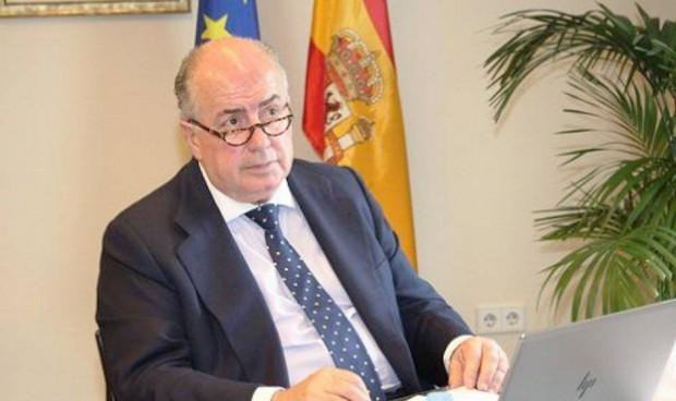 Europa seguirá estudiando la legalidad de la contratación en España de médicos extracomunitarios sin la especialidad necesaria