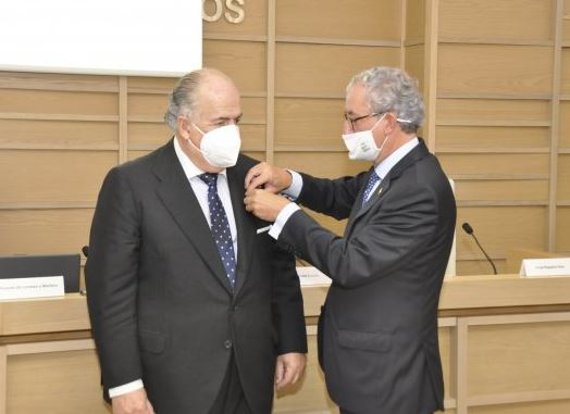 Ricardo De Lorenzo, Medalla de Oro del Consello Galego de Colexios Médicos